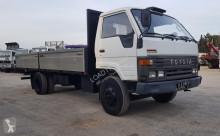 camión Toyota Dyna 300