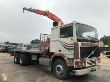 vrachtwagen platte bak standaard Volvo