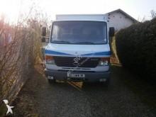 camión tienda Mercedes
