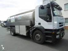 camion cisterna trasporto alimenti Iveco
