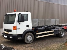 camion polybenne Nissan