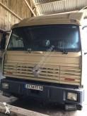 camião transporte de cavalos Renault