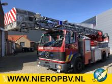camion Mercedes 1422 brandweer ladderwagen 30m
