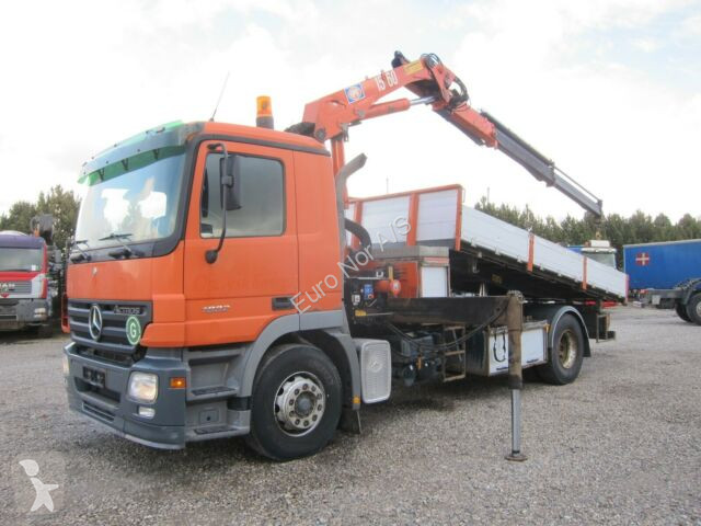 Camion Mercedes Actros 1832 4x2 Tipper / Crane HMF1560K2