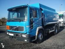 camião cisterna Volvo