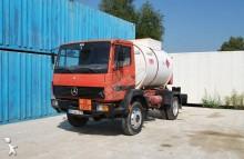 camião cisterna productos químicos Mercedes
