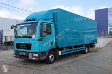 ciężarówka furgon MAN