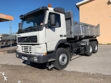 camião tri-basculante Volvo