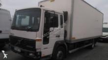 camión Volvo FL6 612