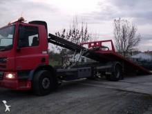 camião porta máquinas DAF