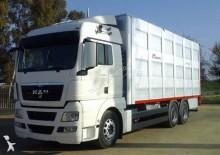 camião transporte de gados usado