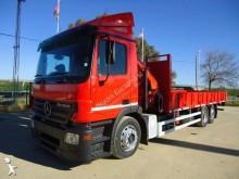 camião estrado / caixa aberta Mercedes