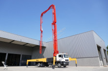 vrachtwagen beton betonpomp MAN