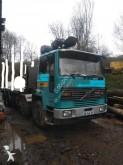 camion trasporto tronchi Volvo