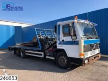 vrachtwagen platte bak Volvo