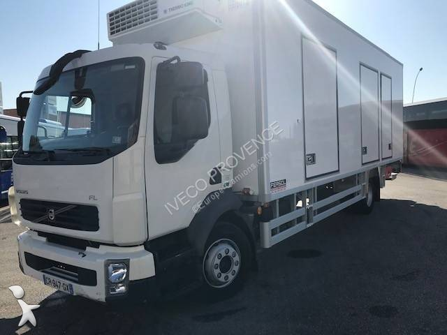 Used Volvo FL multi temperature refrigerated truck Thermoking 240-14 4x2  Diesel Euro 5 rear hatch - n°3122466