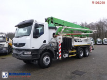 camion pompe à béton Renault