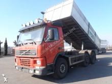 camion benne à ferraille Volvo