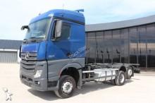 camião porta contentores Mercedes