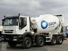 ciężarówka cysterna materiał sproszkowany Iveco