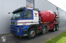 camion Volvo FM400 8X4 LIEBHERR 9M3 EURO 4
