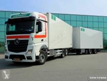 camion cu remorca frigorific(a) n/a
