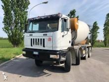 camión hormigón Astra