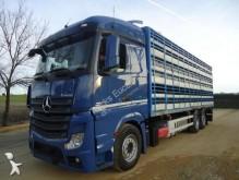 camion bétaillère Mercedes