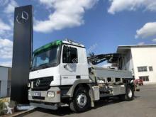 vrachtwagen platte bak boorden Mercedes