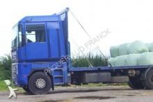 camion piattaforma trasporto paglia Renault