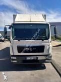 camión furgón MAN