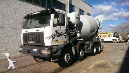 Used Astra trucks concrete ITALY