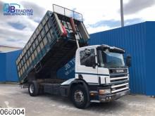 vrachtwagen veewagen voor runderen Scania