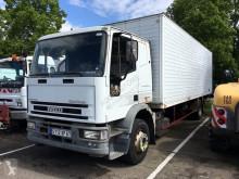 camión Iveco 150E18