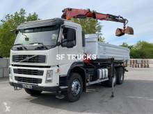 vrachtwagen tweezijdige kipper Volvo