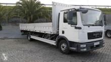 camión caja abierta estándar usada