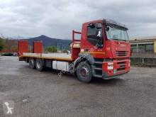 camion trasporto macchinari Iveco