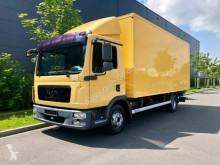 camion furgon MAN