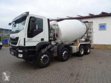 camion Iveco TRAKKER 400 8x4 Betonmischer Liebherr 9m³