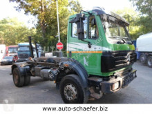 ciężarówka bramowiec Mercedes