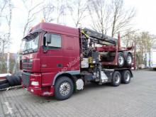 camião transporte de madeira usado