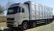 camião transporte de gados Volvo