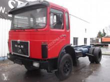 camión MAN 25-304 V8