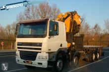 vrachtwagen DAF 8x4 + Effer crane