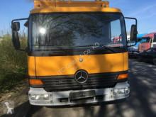camião nc MERCEDES-BENZ - 818 Koffer