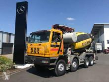 camião betão bomba de betão Iveco