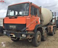 camión Iveco 320.32