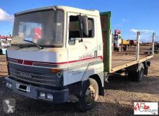camion plateau Nissan
