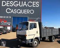camion piattaforma Nissan
