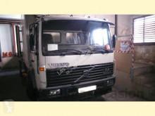 camion Volvo FL614
